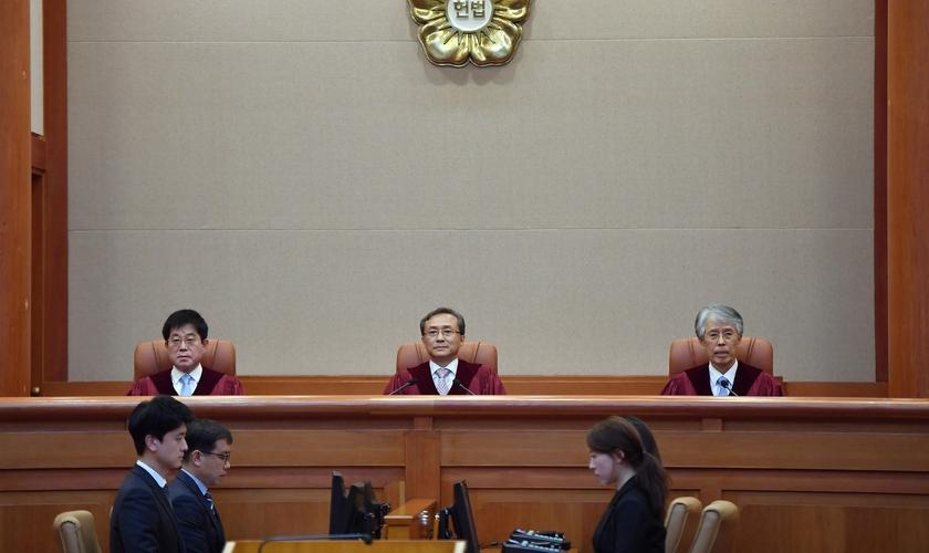 Tribunal Constitucional da Coreia do Sul diz que lei que proíbe aborto no país é inconstitucional. (Foto: Jung Yeon-je/Reuters)