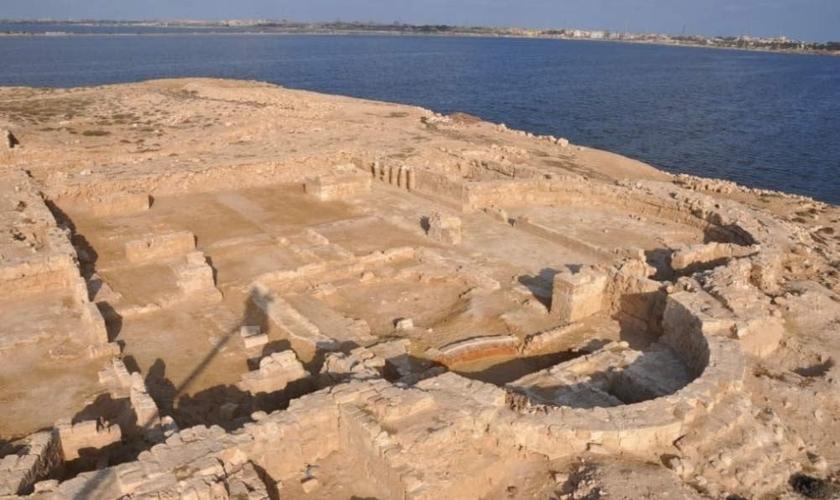 O que resta da igreja foi descoberto no antigo porto de Marea, perto da cidade de Alexandria. (Foto: T. Skrzypiec / PCMA)