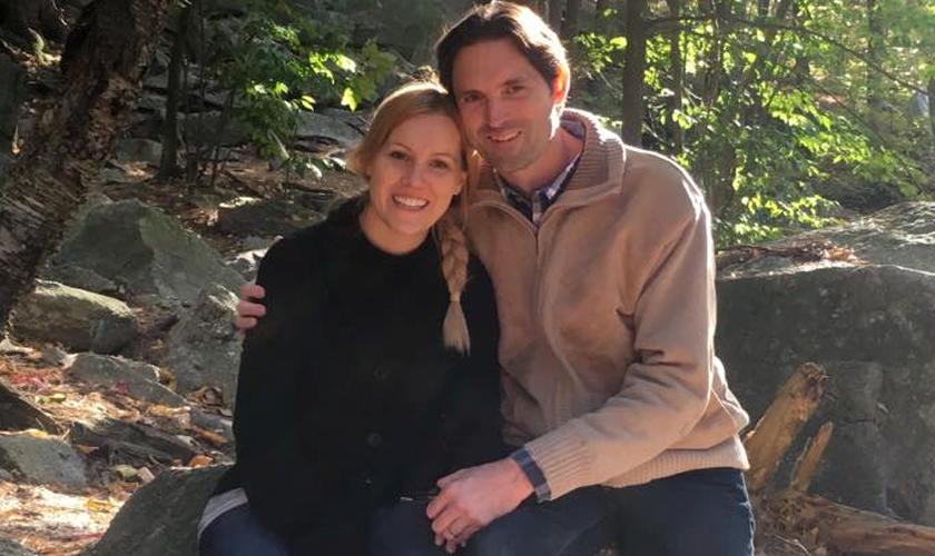 Brian Wheelock e sua esposa. (Foto: Reprodução/Christian Institute)