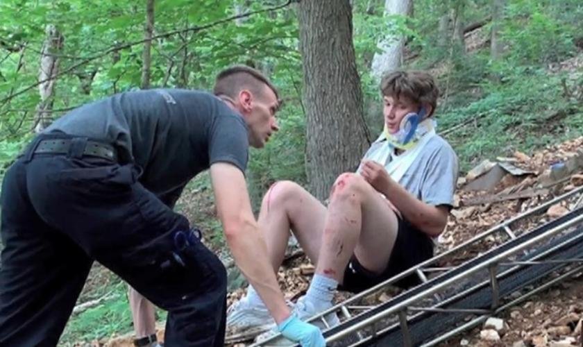 Ben Foster sofreu uma queda de um penhasco de 15 metros em um parque nos EUA. (Foto: Reprodução/KMOV)