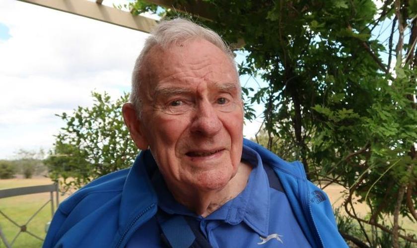 Bill Hayden em sua casa em Queensland, na Austrália. (Foto: ABC News/Amy Donaldson)