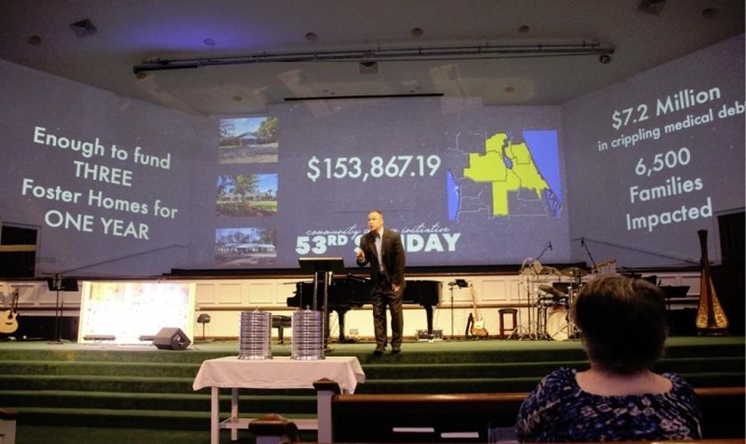 Pastor Dan Glenn fala na Igreja Batista Stetson em DeLand, na Flórida, em 7 de julho de 2019. (Foto: Stetson Baptist Church)