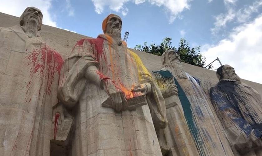 Muro da Reforma vandalizado, em Genebra, 15 de julho de 2019. (Foto: Reprodução/LemanBleu.ch)