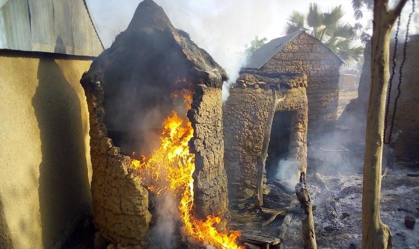 Boko Haram ataca vilas e casas cristãs na Nigéria. (Foto: Reprodução/Portas Abertas)