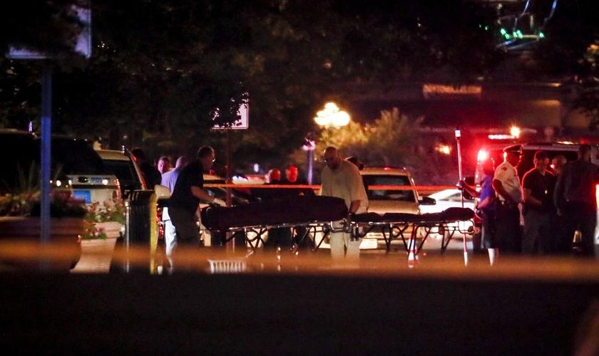Ataque a tiros em duas cidades dos EUA mataram 29 pessoas e deixaram mais de 50 feridos. (Foto: AP/John Minchillo)