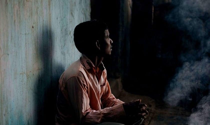 Imagem ilustrativa. Na Índia, um cristão não deixou de falar sobre sua fé enquanto era agredido. (Foto: Portas Abertas)