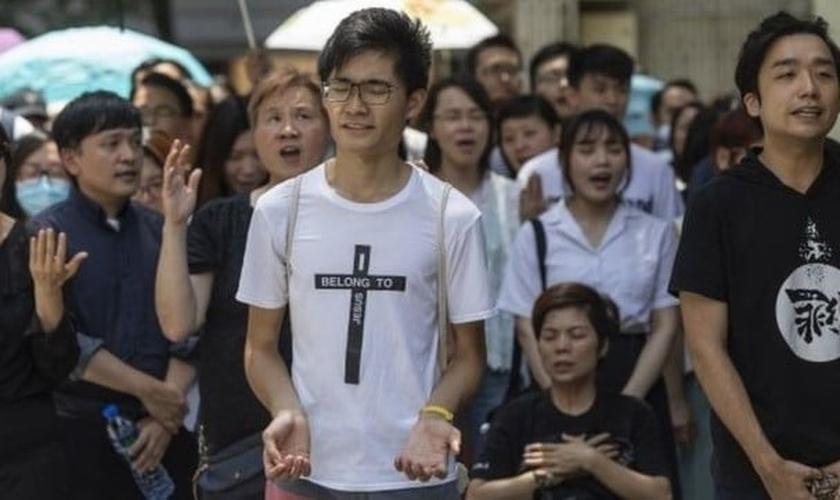 Grupos cristãos têm desempenhado um papel significativo nos protestos de Hong Kong. (Foto: Reprodução/BBC)