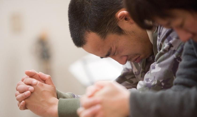 Jovem conhece Jesus após terremoto devastador que atingiu a região. (Foto: Reprodução/IMB)
