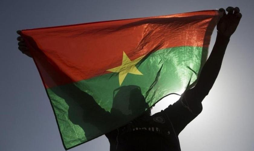 Bandeira de Burkina Faso. (Foto: Reprodução/Reuters)