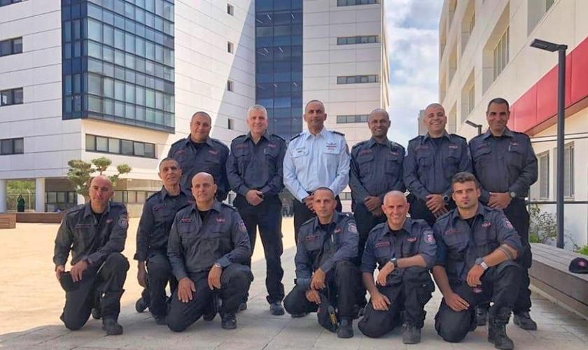 Delegação com 11 especialistas em incêndios florestais chega em Brasília nesta quarta-feira (4). (Foto: Embaixada de Israel)