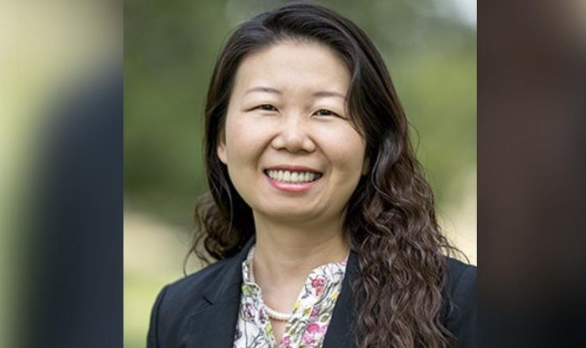 Hongyi Yang hoje é cristã e professora de Teologia. (Foto: Reprodução/SWBTS)
