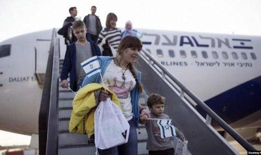 Judeus russos chegam em Israel. (Foto; Reprodução/JTA)