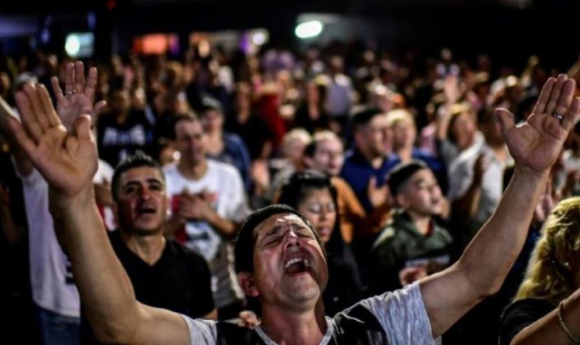 Culto evangélico na Argentina. (Foto: Reprodução/MercoPress)