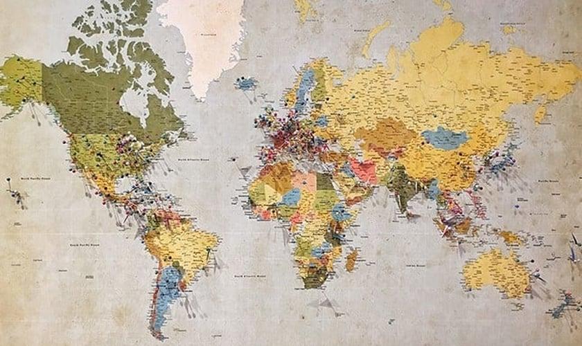 Mapa-múndi. (Foto: Andrew Stutesman/Unsplash)