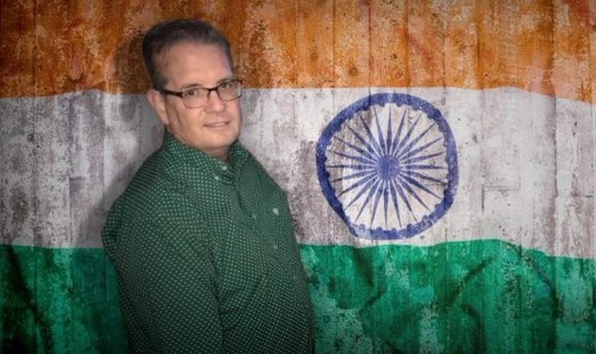 Pastor Bryan Nerren foi preso na Índia, onde faria duas conferências. (Foto: Reprodução/Twitter)