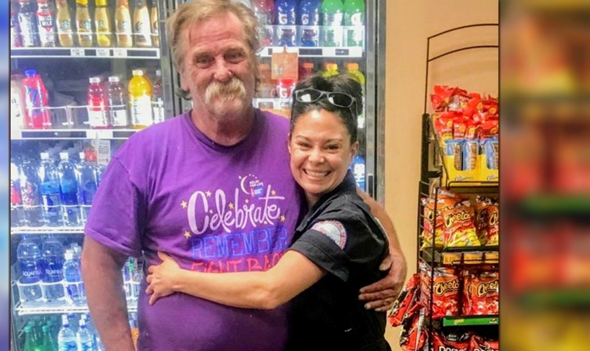 Jeanah Nomelli e Will Levens se encontram em um posto de gasolina. (Foto: Reprodução/Jeanah Nomelli)