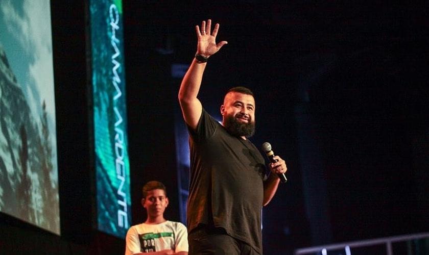 Chileno Vergara, fundador do One Passion, faz cruzadas evangelísticas em países do Oriente Médio. (Foto: Chama Ardente/Igreja Comunidade Casarão)