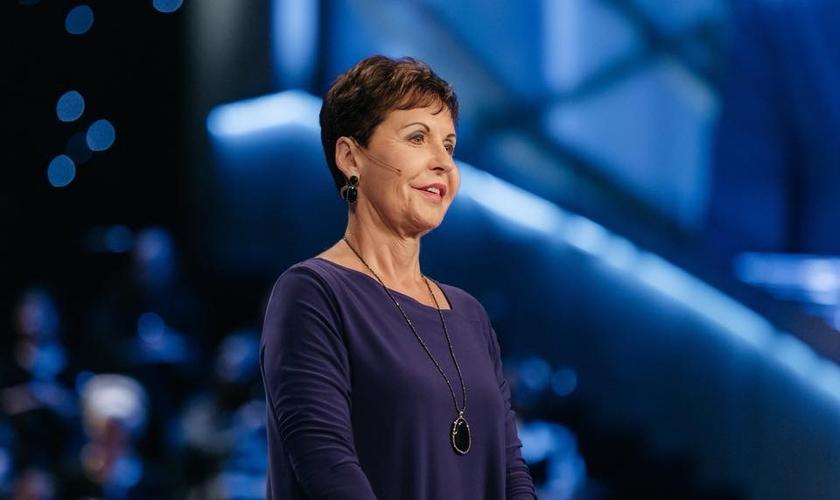 A autora Joyce Meyer explica a importância de alcançar a maturidade espiritual. (Foto: Lakewood Church)