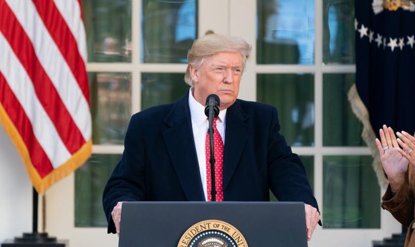 Presidente dos EUA, Donald Trump, em discurso no Jardim das Rosas na Casa Branca. (Foto: Casa Branca/Andrea Hanks)