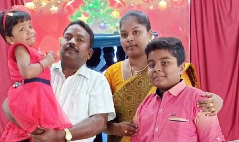 Pastor Joshua e sua família. (Foto: Reprodução/CSW)