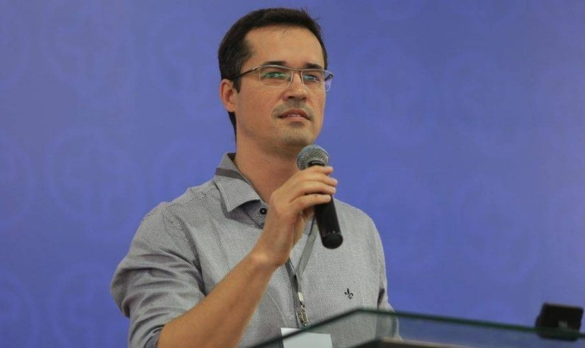 Deltan Dallagnol falou a milhares de evangélicos em Campina Grande, na Paraíba. (Foto: Wellington Junior/Consciência Cristã)