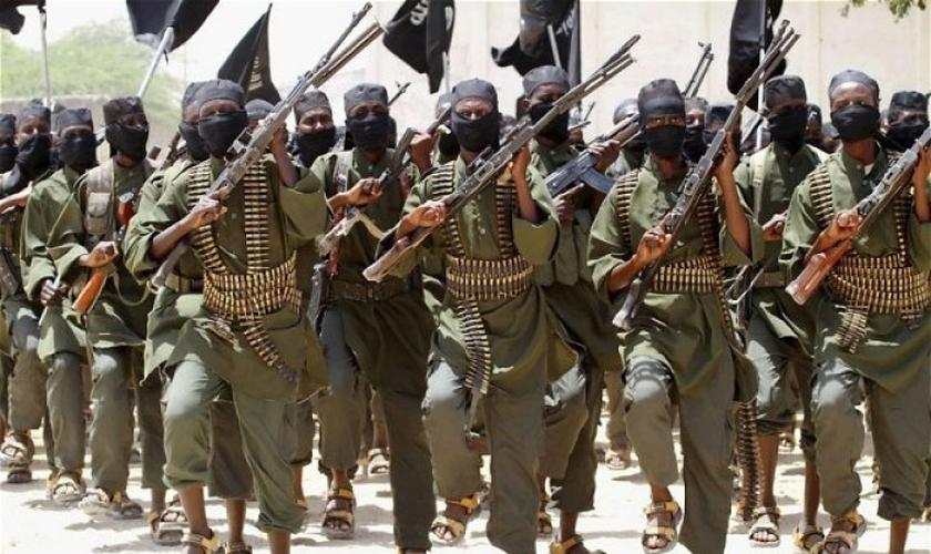 Al-Shabaab é um grupo terrorista somali ligado à Al-Qaeda. (Foto: Reuters)
