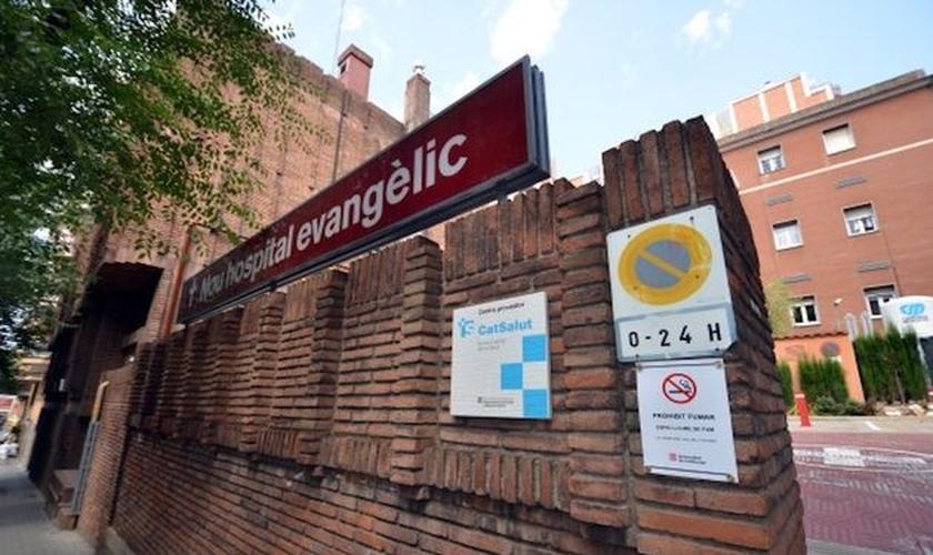 O Nou Hospital Evangèlic criou uma área especial para pacientes com coronavírus. (Foto: Reprodução/Evangelical Focus)