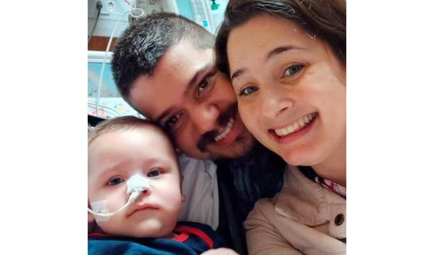 Bebê que venceu a Covid-19 terá festa virtual de 6 meses, após 54 dias no hospital. (Foto: Reprodução/OGlobo)