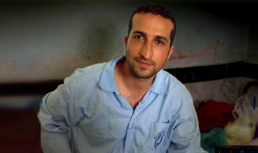 Pr. Yousef Nadarkani continua preso no Irã. (Foto: Reprodução/CSW)