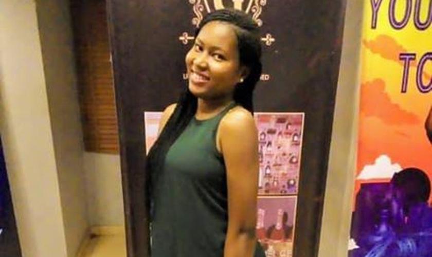 Uwaila Omozuwa, de 22 anos, foi estuprada e morta em igreja na Nigéria. (Foto: Reprodução/Twitter)