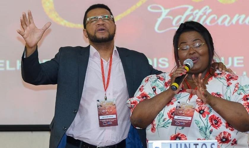 A cantora gospel Fabiana Anastácio e seu marido, o pastor Ruben. (Foto: Reprodução/Instagram)