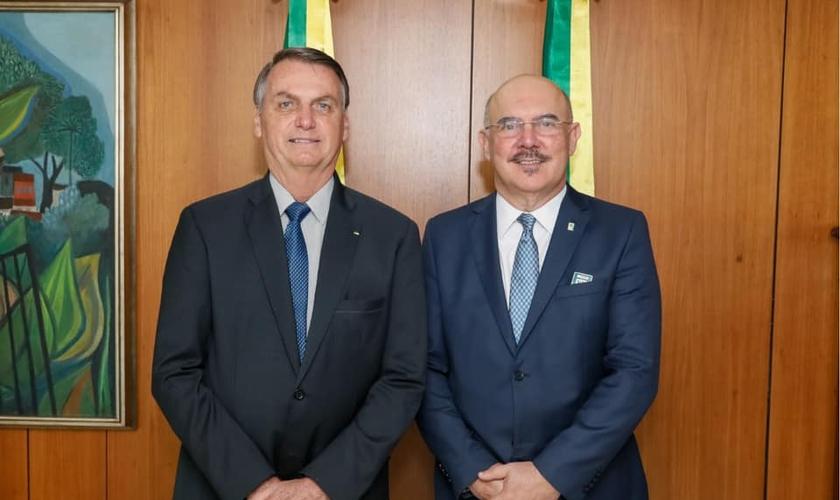 Presidente Jair Bolsonaro ao lado do novo ministro da Educação, Milton Ribeiro. (Foto: Milton Ribeiro)