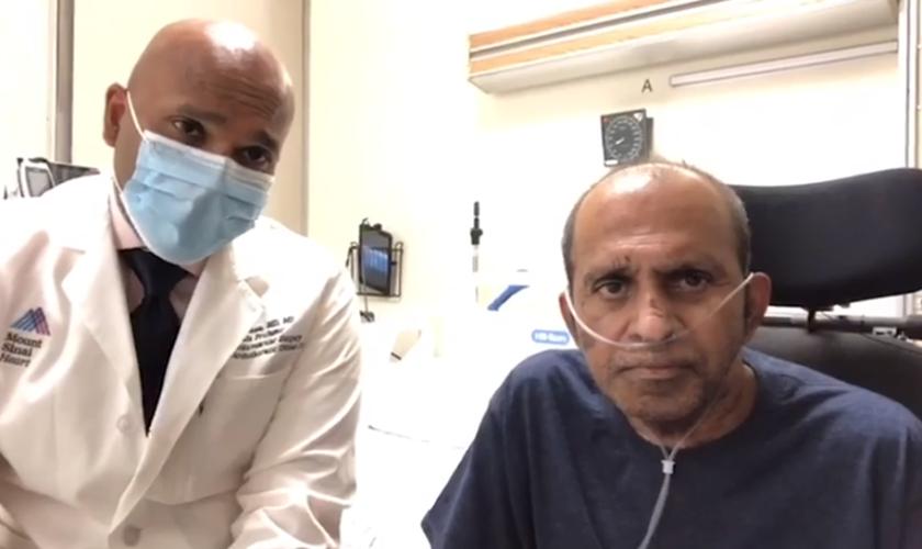Dr. Robin Varghese (esquerda) cuidou durante semanas do caso do pastor Benjamin Thomas (à direita) e orou pela vida do ministro. (Imagem: Mount Sinai Hospital)