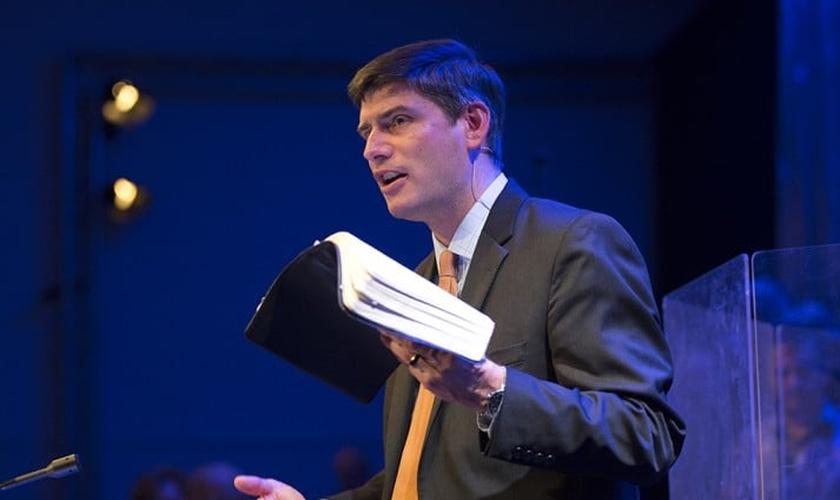 Will Graham é um evangelista cristão americano. Ele é o diretor executivo do Centro de Treinamento Billy Graham em The Cove e evangelista associado da Associação Evangelística Billy Graham. (Foto: Billy Graham Evangelista Association)