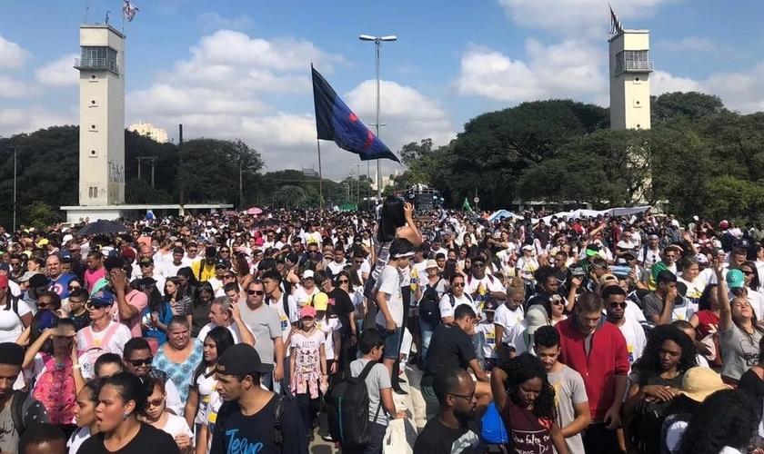 Fiéis participam da Marcha para Jesus em São Paulo em 2019. (Foto: Patricia Figueiredo/G1)