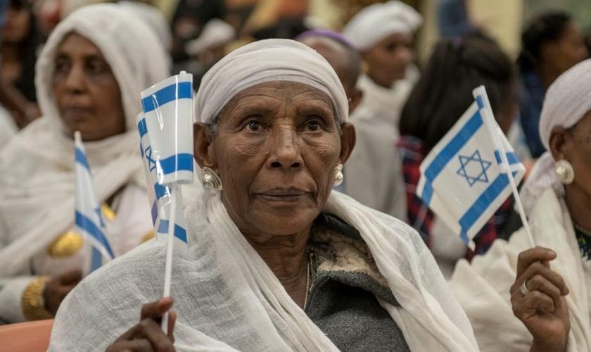 Judeus da comunidade Beta de Yisrael, na Etiópia. (Foto: Reprodução / GOD TV)