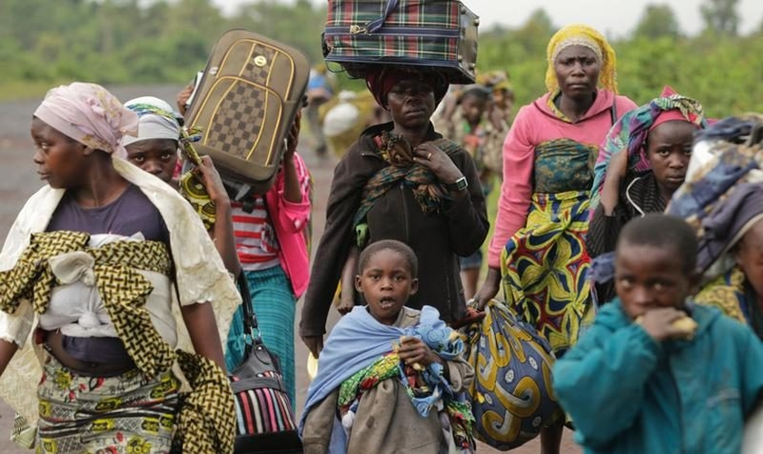 Família congolesa deixa sua região para fugir de ataques terroristas. (Foto: Agência EFE)