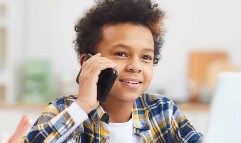 Criança terá acesso a aplicativo para denunciar violências. (Foto: Reprodução / MMFDH)