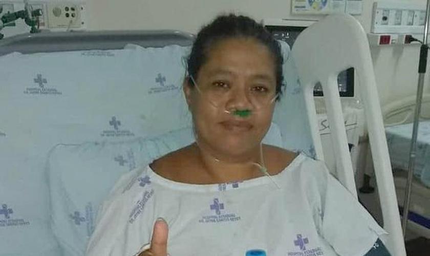 No hospital, a técnica de enfermagem Djenane orou para não precisar ficar intubada. (Foto: Arquivo Pessoal)