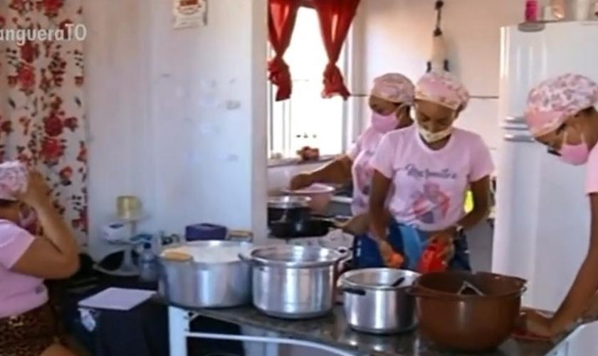 Família consegue multiplicar o dinheiro do auxílio emergencial. (Foto: Reprodução/TV Anhanguera)