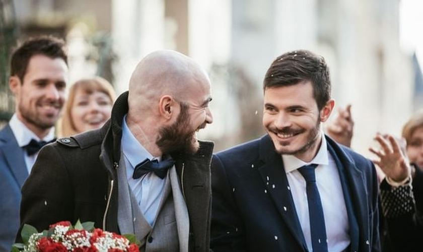 Irlanda passa a autorizar casamento religioso entre gays. (Foto: Reprodução / Getty)