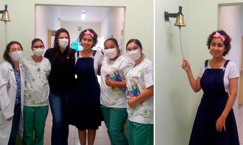 Ellen Cristina Lopes da Silva, de 16 anos, tocou o sino para simbolizar o final de seu tratamento no Hospital da Criança do Grendacc, em Jundiaí. (Foto: Reprodução / Tribuna de Jundiaí)