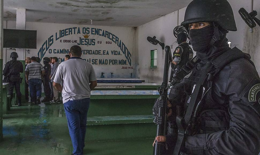 Local de culto no complexo Penitenciário Anísio Jobim, em Manaus. (Foto: Marlene Bergamo/FolhaPress)