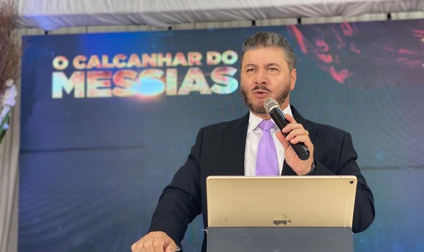 Pr. Joel Engel na abertura da 9ª edição da Escola Profética Unção de Elias, dia 19 de setembro de 2020. (Foto: Divulgação)