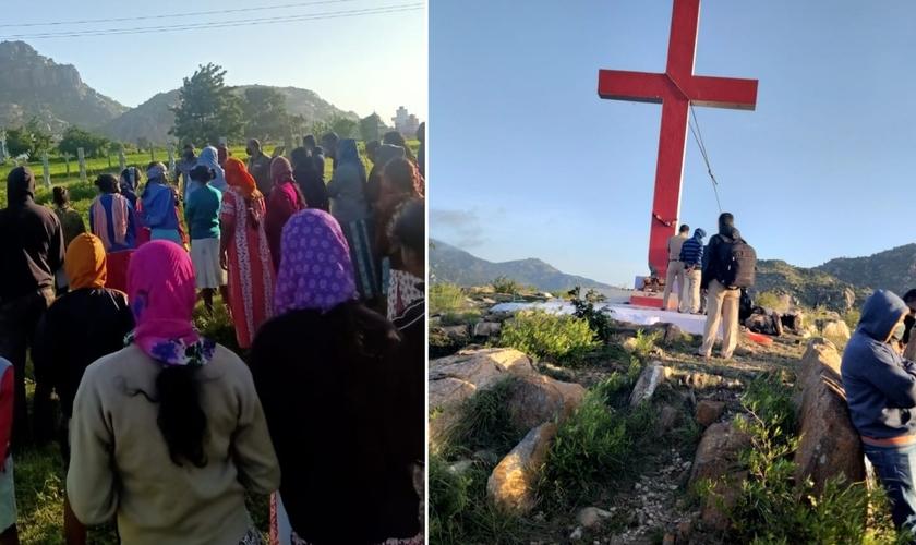 Cruz é removida enquanto cristãos fazem oração no local. (Foto: Reprodução / AsiaNews)