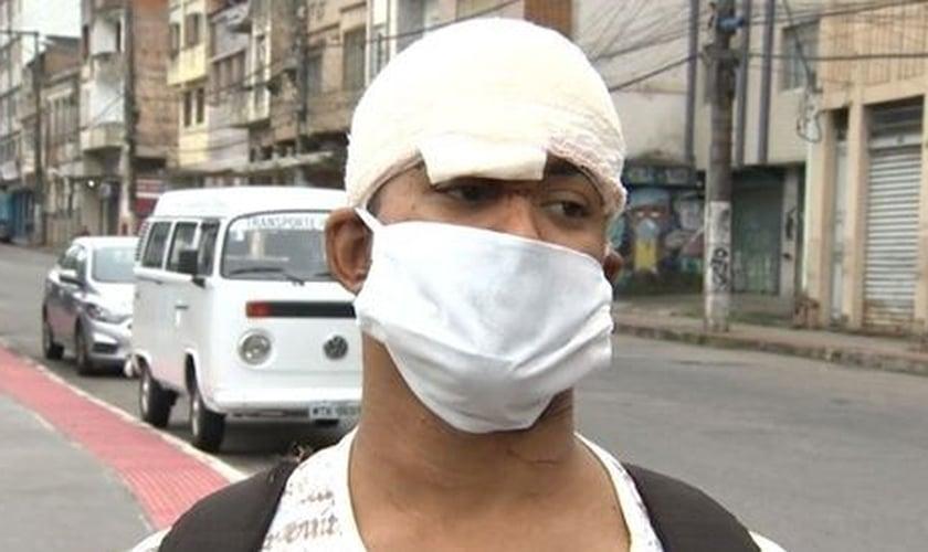 Silas Neves da Silva sofreu ferimentos na cabeça e pescoço. (Foto: Reprodução / TV Gazeta)