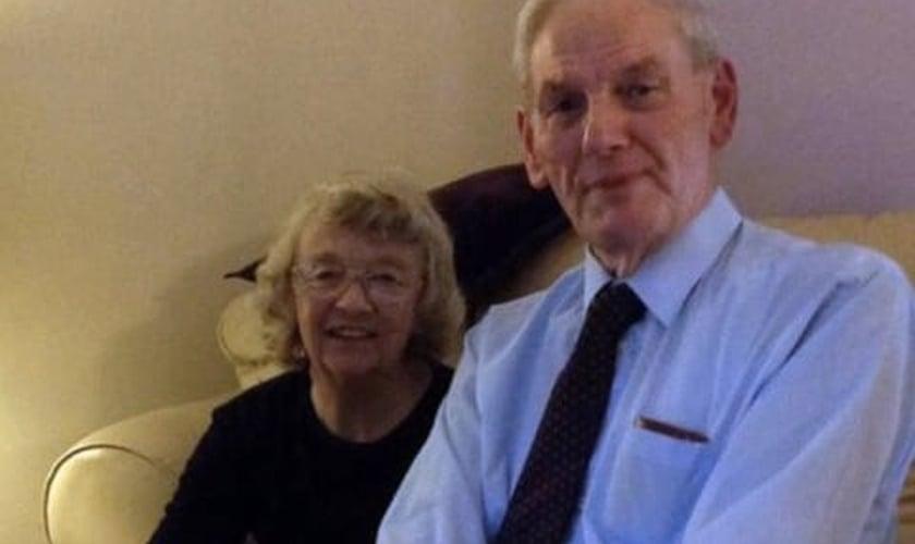 John Rees, de 88 anos, e sua esposa, Eunice, de 87 anos. (Foto: Serviço de Notícias do País de Gales)