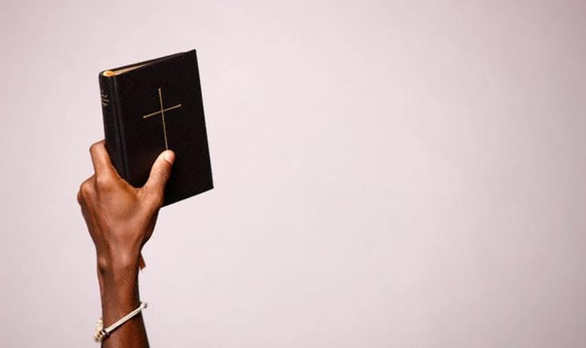 Imagem ilustrativa. Pastores e teólogos concordam que a Bíblia tem princípios imutáveis. (Foto: P Deliss/Getty Images)