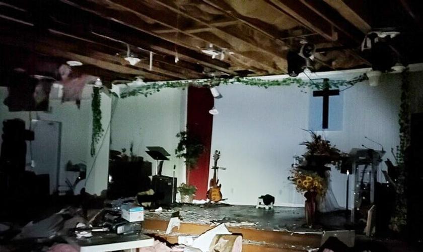 O prédio da Igreja Batista Vietnamita foi totalmente destruído depois que foi queimado durante os distúrbios na Filadélfia. (Foto: Reprodução / Philip Pham)