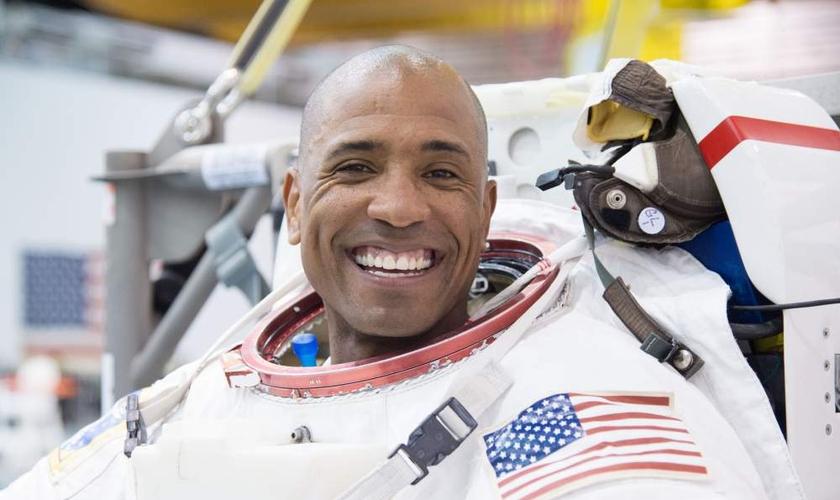 Victor Glover é o primeiro astronauta negro designado para uma missão de longa duração. (Foto: NASM)